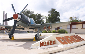 Airplane_in_Museo_Giron